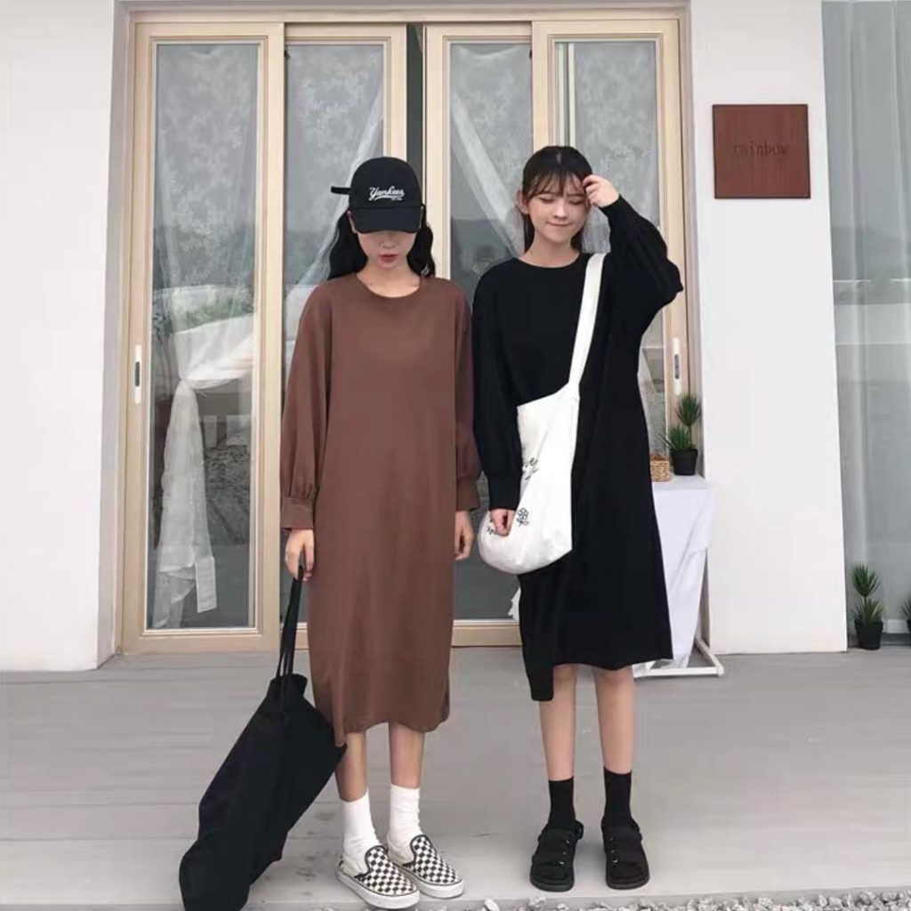 Đầm thun form rộng là một mẫu váy đẹp có thể phù hợp với nhiều phong cách khác nhau.