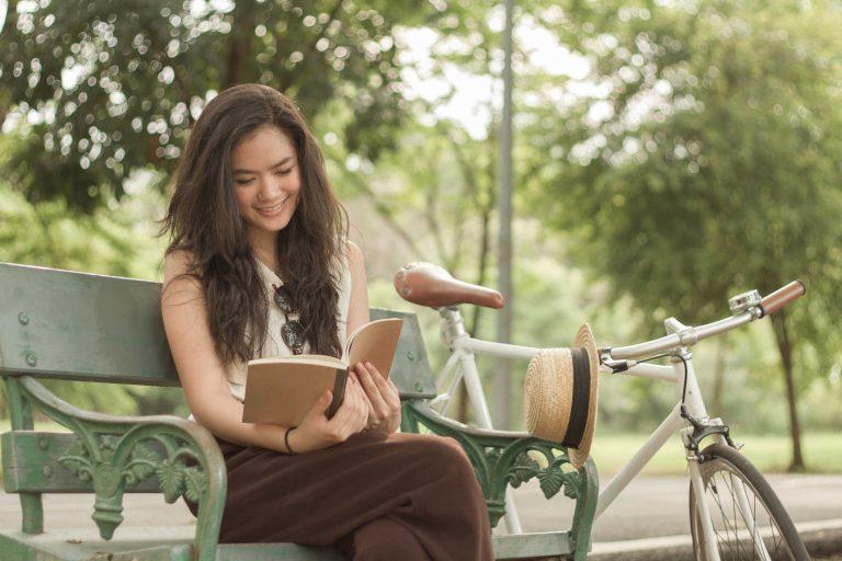 Đọc sách giúp yêu đời và lạc quan