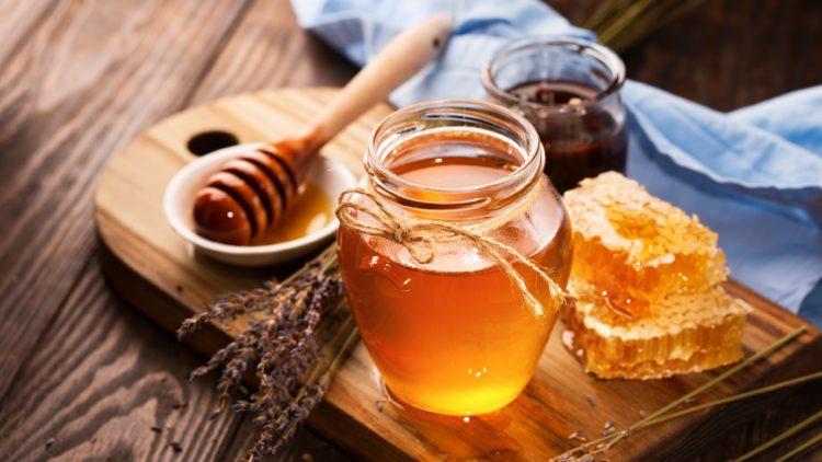 mẹo chữa đầy bụng bằng mật ong và bột nghệ