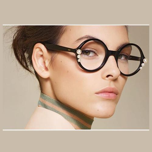Mắt kính Fendi nữ tính và thu hút