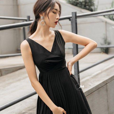 Đầm JM màu đen xếp li nhỏ