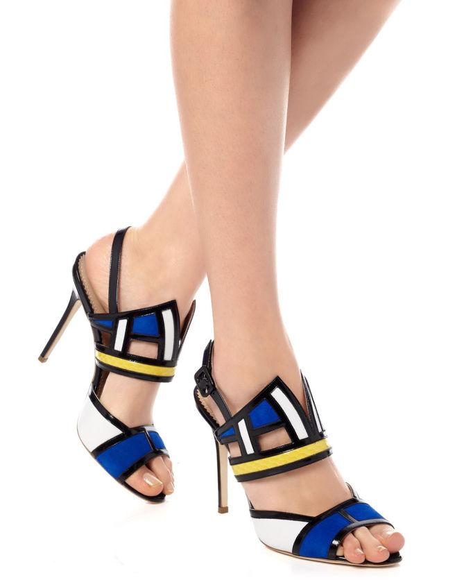 giày cao gót Aperlai độc đáo với thiết kế hình học