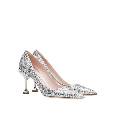 Giày cao gót Miu Miu luôn chú trọng đến sự lãng mạn