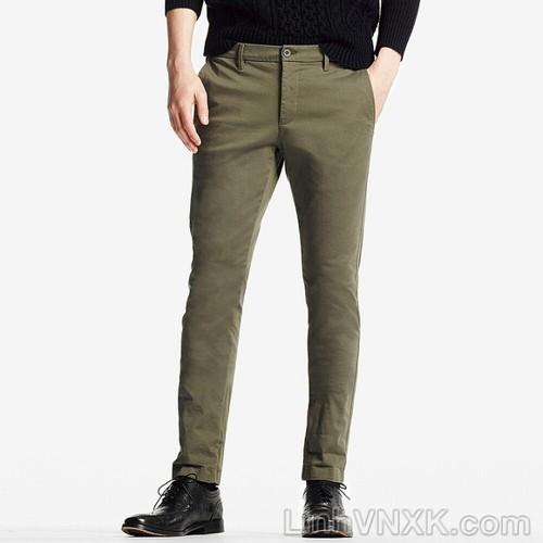 Với dáng skinny ôm chiếc quần kaki sẽ trông thon gọn hơn
