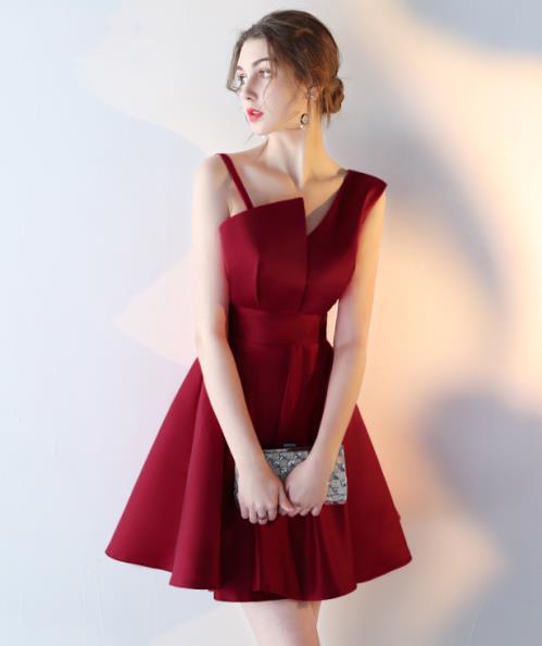 Đầm đi tiệc lụa đỏ sang trọng